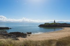 Der Leuchtturm von Insel Twr Mawr Llanddwyn stockfotografie