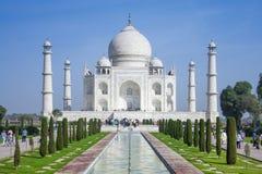 Der Leutebesuch Taj Mahal Lizenzfreies Stockbild