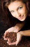 In der Liebe mit Kaffee lizenzfreie stockfotos