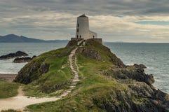 Der Llanddwyn-Inselleuchtturm, Twr Mawr bei Ynys Llanddwyn lizenzfreies stockbild
