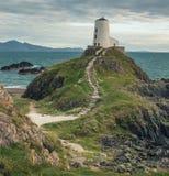 Der Llanddwyn-Inselleuchtturm, Twr Mawr bei Ynys Llanddwyn lizenzfreies stockfoto