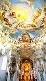 Der luxuriöse Innenraum der Kirche Wieskirche lizenzfreie stockfotos