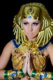 Der Mädchentänzer in einem Kostüm des Pharaos Stockfotos