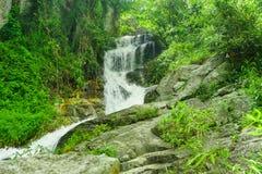 Der Mae Sa-Wasserfall es ist auf Doi Suthep bei Chiang M schön stockfotografie