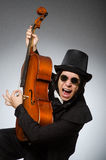 Der Mann im musikalischen Kunstkonzept Lizenzfreie Stockfotos
