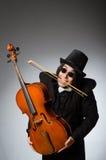 Der Mann im musikalischen Kunstkonzept Lizenzfreie Stockfotografie