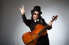 Der Mann im musikalischen Kunstkonzept Lizenzfreies Stockfoto
