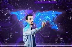 Der Mann im Sozialdatenverwaltungskonzept Lizenzfreie Stockfotos