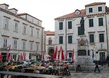 Der Markt in der alten Stadt Dubrovnik, Kroatien stockfoto