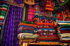 Der Markt in Santa Fe, New Mexiko Die kreative Stadt von Santa Fe In New Mexiko mit seiner Vielzahl von Galerien und von Skulptur stockbild