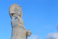 Der Marmor-Guan Yin-Griffvase und -lotos Lizenzfreie Stockbilder