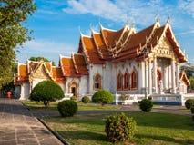 Der Marmortempel, Wat Benchamabopit Dusitvanaram in Bangkok, Th lizenzfreie stockfotografie