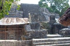 Der Masken-Tempel am Standort Lamanai Archaelogical Stockbild