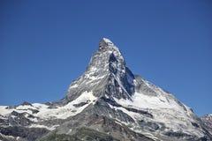 Der Matterhorn-Berg mit blauem Himmel im Sommer, Zermatt, die Schweiz Lizenzfreie Stockfotos