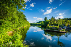 Der Merrimack-Fluss, in Hooksett, New Hampshire Stockbild