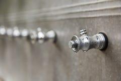 Der metallische Hahn für Süßwasser Stockbild