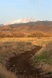 Der mit einer Kappe bedeckte Schnee sehnt sich Spitze in Colorado stockfoto