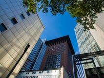 In der Mitte des Finanzbezirkes in Frankfurt, Deutschland Stockbilder