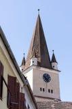Der mittelalterliche sächsische Turm von Cisnadie-Wehrkirche Lizenzfreie Stockfotos