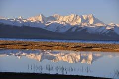 Der Morgen des Schneeberges Lizenzfreies Stockfoto