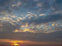 Der Morgen-entspannende Himmel lizenzfreies stockbild