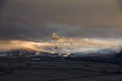 Der Morgennebel im Songzanlin-Kloster Lizenzfreies Stockbild