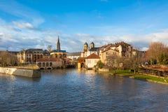 Der Mosel-Fluss fließt die alte Stadt von Metz, Frankreich durch Lizenzfreie Stockbilder
