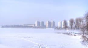 Der Nebel über dem Fluss Svislach Lizenzfreie Stockbilder