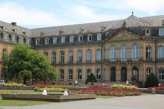 Der neue Palast von der Seite von Oberer Schlossgarten, Stuttgart lizenzfreie stockfotos