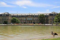 Der neue Palast von der Seite von Oberer Schlossgarten, Stuttgart lizenzfreie stockfotografie