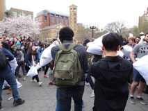 Der 2016 NYC-Kissenschlacht-Tag 2 Stockfotos
