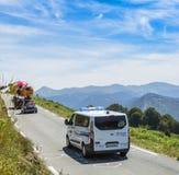 Der offizielle Krankenwagen auf Col. d'Aspin - Tour de France 2015 Stockfotos