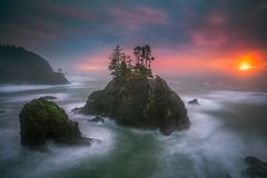 Der Oregon-Küstensonnenuntergang Stockfoto