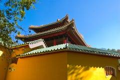 Der Palast der alten Art mit der Wand Lizenzfreie Stockfotos