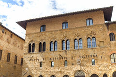 Der Palast des Bischofs in Volterra Lizenzfreies Stockfoto