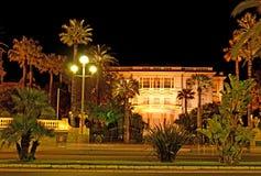 Der Palast nachts Stockfotos