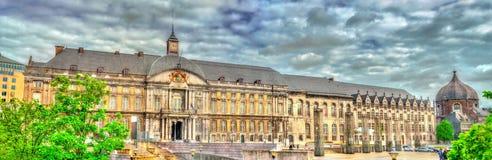 Der Palast der Prinz-Bischöfe auf Platz Heilig-Lambert in Lüttich, Belgien lizenzfreie stockbilder