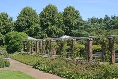 Der Park Volksgarten von Dusseldorf in Deutschland Lizenzfreie Stockfotografie