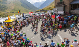 Der Peloton in den Bergen - Tour de France 2015 Lizenzfreie Stockfotos