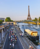 Der Peloton in Paris Stockfotografie