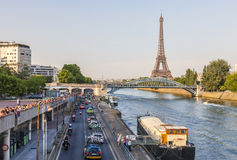 Der Peloton in Paris Stockfotografie