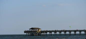 Der Pier auf Tybee Island lizenzfreies stockbild