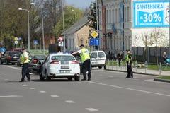 Der Polizeiwagen blockierte die Straße Lizenzfreies Stockfoto
