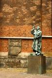 Der Priester außerhalb der Markt-Kirche, Hannover Stockbilder