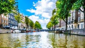 Der Prinsengracht Prinz Canal mit es viele historischen Häuser in der Mitte von Amsterdam stockfotografie