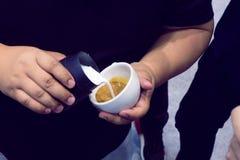 Der Prozess der Herstellung des Kaffees Lizenzfreie Stockfotos