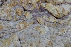 Der purpurrote Felsen lizenzfreies stockbild