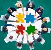 Der Puzzle-Geschäftsleute Zusammenarbeits-Team Concept Lizenzfreie Stockfotografie