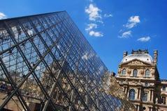 Der Pyramiden- und Richelieu-Flügel Lizenzfreies Stockfoto