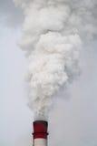 Der Rauch vom Kamin Lizenzfreies Stockfoto